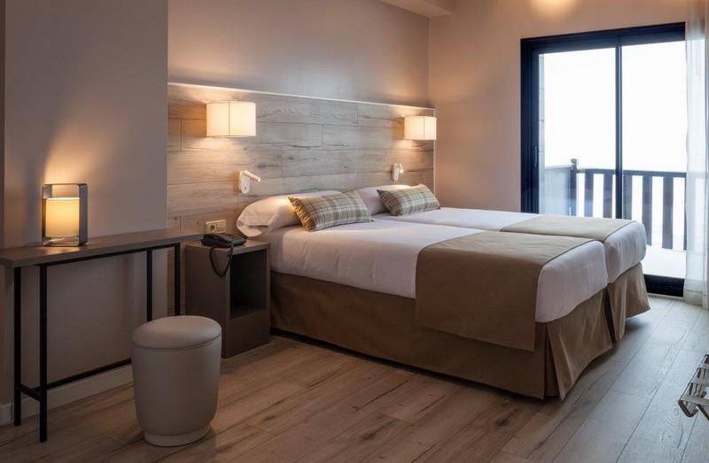 Dubbelsäng, balkong Hotel Caribou